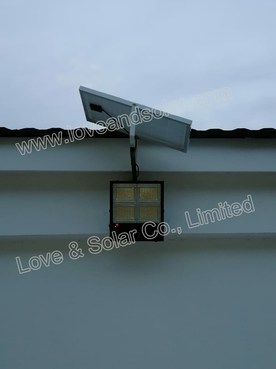 SD Solar Flood Light Project in Mozambique from LOVE & SOLAR CO., LIMITED